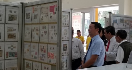 """Thua Thien Hue province hosts a stamps exhibition themed """"Hue - Tourism - Heritage"""""""
