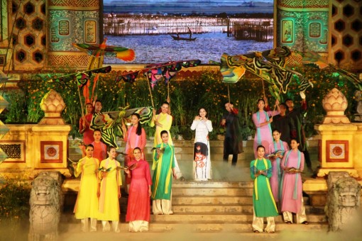 "At the closing ceremony of the Traditional Craft Festival: ""Hue has had bustling and exciting days"""