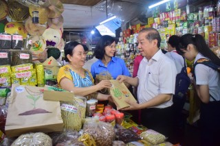 "Hue City: Government agencies must be pioneers in the ""Anti-plastic waste"" campaign"
