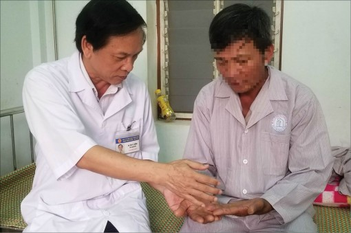 Silently curing leprosy patients