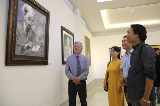 "Nearly 30 works participated in the exhibition ""The imprint of a profound life"""