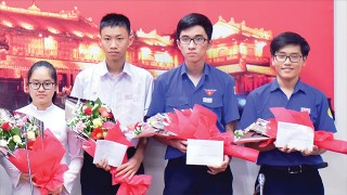 The youngest member of Vietnam Physics Olympiad team