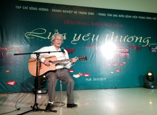 Song Huong Magazine holds a music night for cancer patients