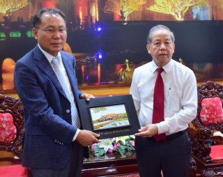 Korean Cultural Heritage Industry Association to cooperate with Hue on heritage preservation and tourism