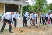 Hue University of Education organizes a meeting responding to World Environment Day