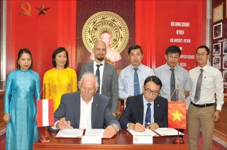Boosting Hue University's standing through international cooperation
