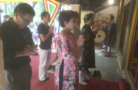 Recreating Thanh Binh Worship Hall ceremony according to Nguyen dynasty rite