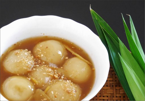 Cool healthy rice ball sweet soup