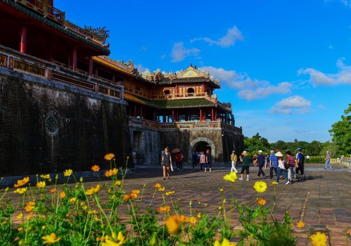 Visiting Hue for more history about the Nguyen Dynasty seal and sword handover