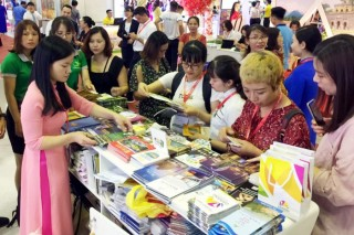 Hue tourism participates in largest tourism fair in country