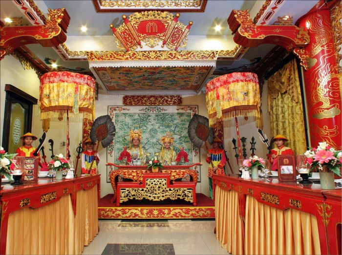 Royal meals on death anniversaries - unique tourism product in Hue