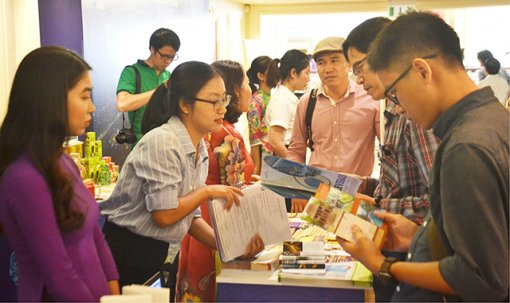 Hue discussed strategies for developing smart and sustainable tourism