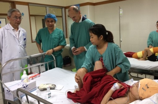 Successfully performing surgery for patient with hypertelorism and absence of nasal bone