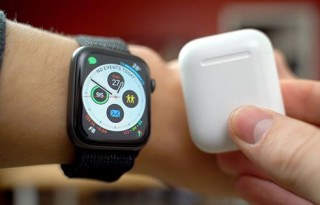 Apple yêu cầu miễn thuế Apple Watch, AirPods