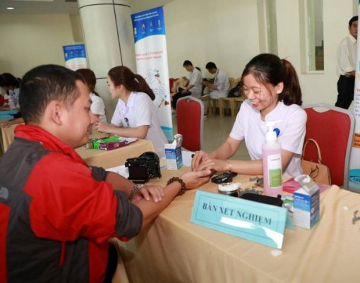 Hue City giving enthusiastic response to the World Diabetes Day