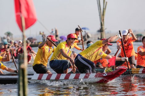 Traditional boat racing festival at Dinh Cu hamlet - Phu My village
