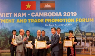 """Prof. Dr. Vo Tam received the title of """"Top 100 Asia integration typical manager and intellectual """""""