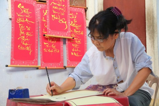 Preserving the spirit of Tet with calligraphy
