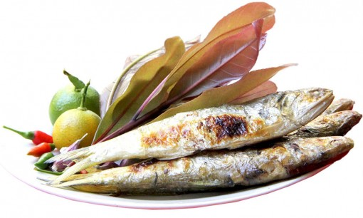 Hairfin anchovy wrapped in freshwater mangrove leaves