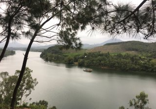 Embellishing Vong Canh Hill to become a public sightseeing place for local people and tourists