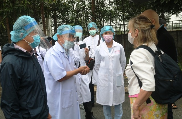 The last two cases of COVID 19 in Hue being discharged