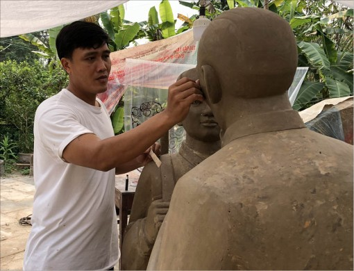Nguyen Van Tho and the artworks about the mother