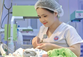 Hue will establish midwifery bachelor program