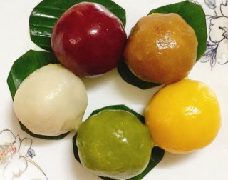 Five-colored banh it: eye-catching, chewy and fragrant