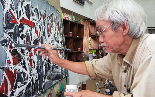 The old painter who keeps the soul of Bao Vinh ancient town