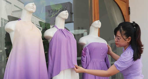 Catch the trend with purple fashions