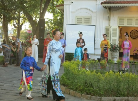 Various attractive activities in Ao dai Festival and Hue Gastronomy Festival