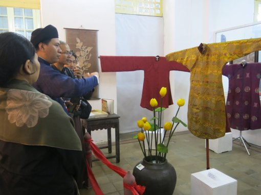 Exhibition and demonstration of Hue Ao Dai sewing profession
