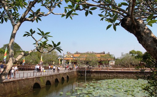 Free entrance tickets to Hue monuments for runners of VnExpress Marathon Hue 2020