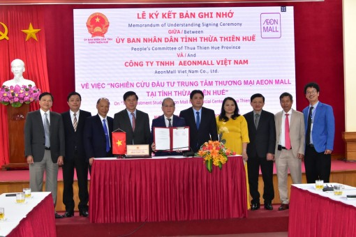 Signing Memorandum of Understanding for investment in Aeon Mall Shopping Center in Hue