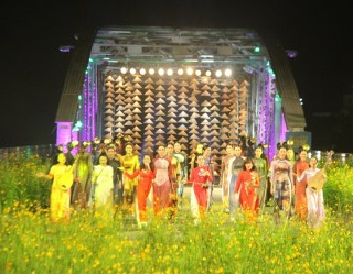 Many novel and special programs in Hue Traditional Craft Festival