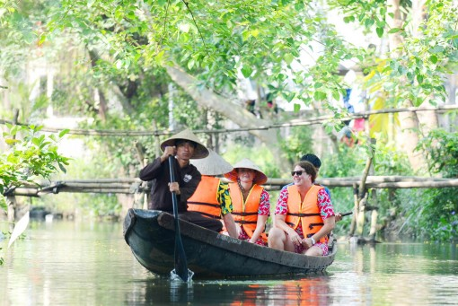 Suggestions for community-based tourism development in Huong Thuy