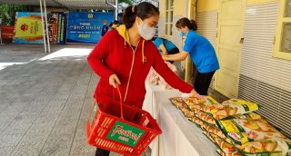 """""""Union Market Fair"""" for union members and workers in difficult circumstances opened"""