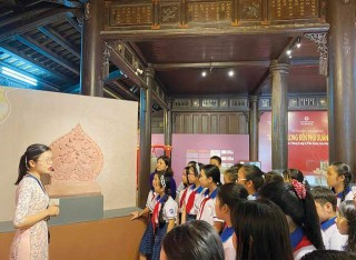 Learning history through heritage