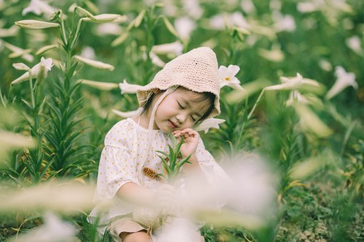 Flowers and kids