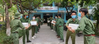 Over 40 tonnes of goods and hundreds of millions VND sent to support people in Ho Chi Minh City